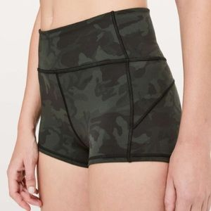 Lululemon Camo In Movement Short *Everlux 2.5""